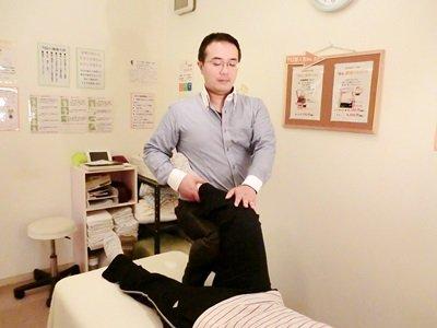 膝 股関節 施術 マイクロ牽引