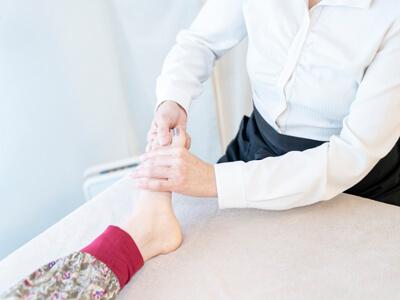 足指のリンパドレナージュ リフレクソロジー